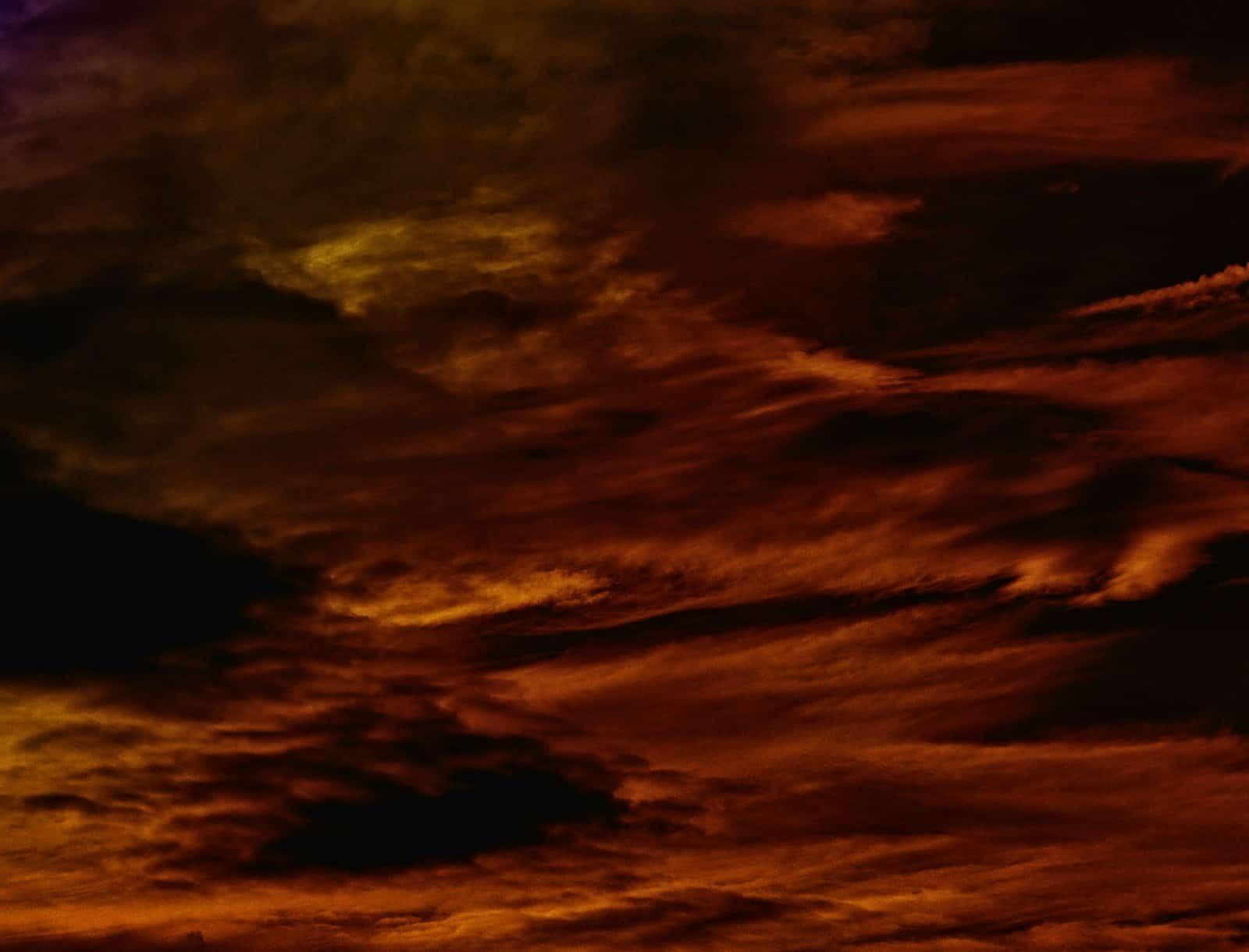 sky,cloud,dark,threatening